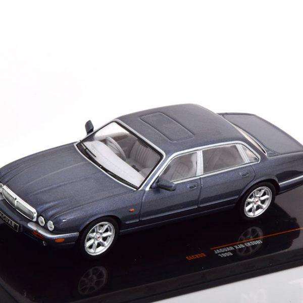 Jaguar XJ8 ( X308) 1998 Grijs Metallic 1-43 Ixo Models