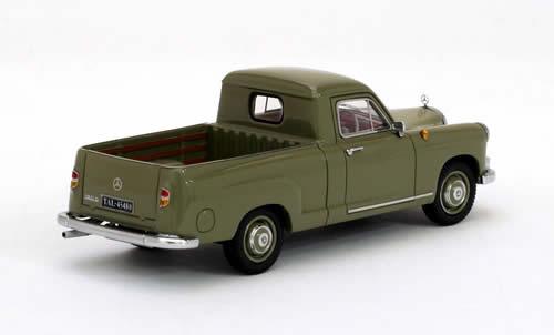 """Mercedes-Benz 180 """"Bakkie"""" 1:43 Groen Neo Scale Models"""