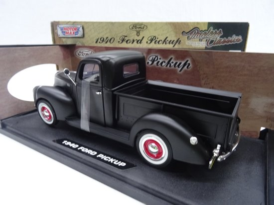 Ford Pick Up 1940 Matzwart 1-18 Motormax