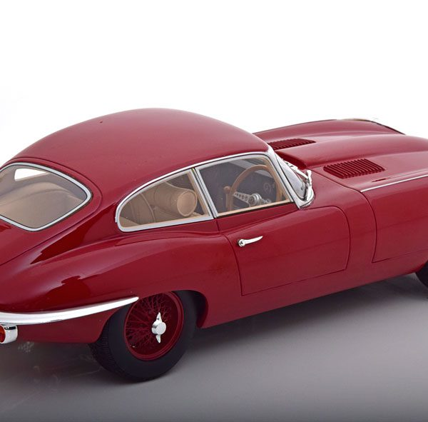 Jaguar E-Type Serie 2 Coupe 1968 Donkerrood 1-18 Cult Scale Models