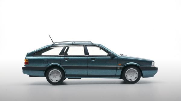Audi 200 Avant 20V Quattro 1991 Blauw Metallic 1-43 DNA Collectibles Limited 370 Pieces