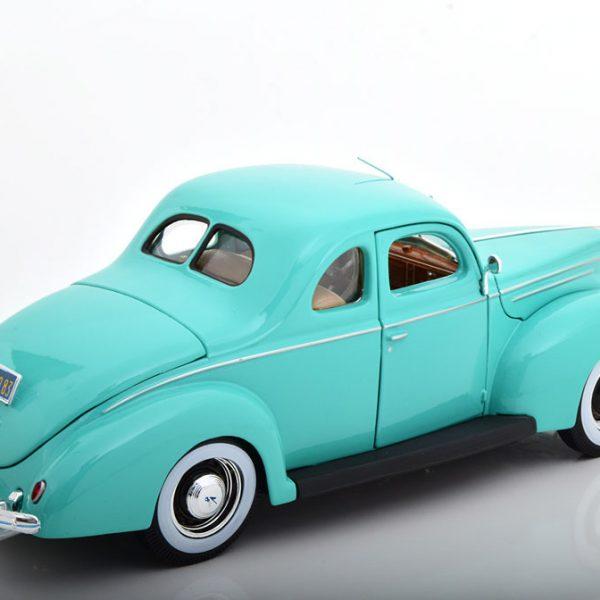 Ford Deluxe 1939 Turkish 1-18 Maisto