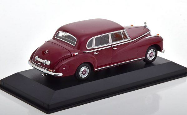 Mercedes-Benz 300 (W186) 1951 Donkerrood 1-43 Maxichamps