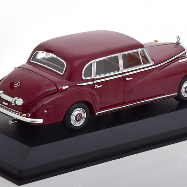 Mercedes-Benz 300 (W186) 1951 Donkerrood 1-43 Maxichamps