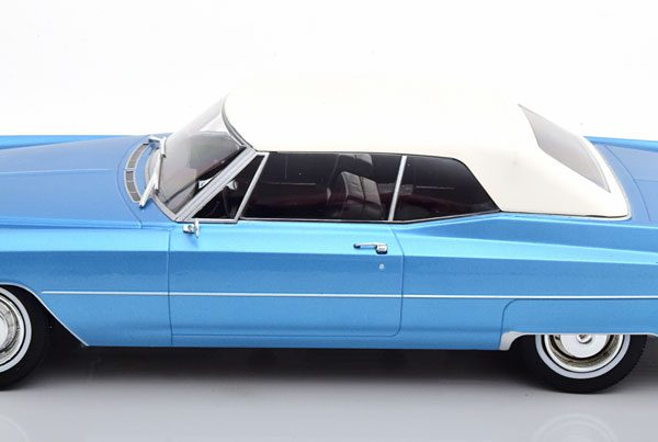 Cadillac DeVille met Softtop 1968 Blauw Metallic 1-18 KK Scale Limited 500 Pieces