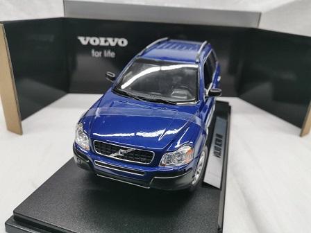 Volvo XC90 V8 Blauw 1-18 Welly