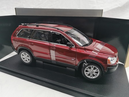 Volvo XC90 V8 Rood 1-18 Welly