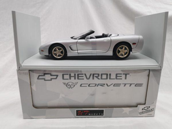 Chevrolet Corvette C5 Convertible 1998 Zilver 1-18 UT Models