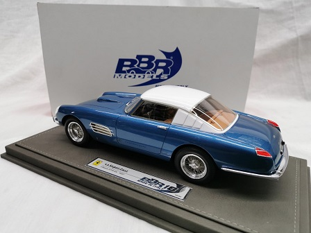 Ferrari 4.9 Superfast 1957 Blauw Metallic / Wit 1-18 BBR Models Limited 500 Pieces