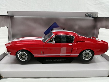 Shelby Mustang GT500 1967 Rood met witte strepen 1-18 Solido