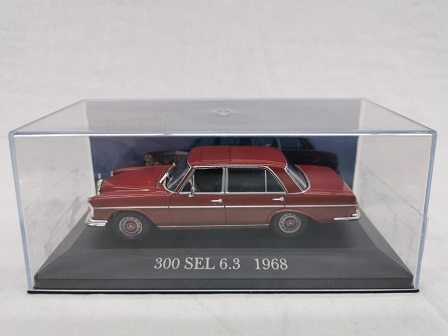 Mercedes-Benz 300 SEL 6.3 ( W109 ) 1968 Bordeaux Rood 1-43 Altaya Mercedes Collection