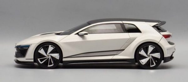 """Volkswagen Golf VII GTE Sport Concept Car """"Wothersee 2015"""" Wit 1-18 DNA Collectibles Limited 320 Pieces"""
