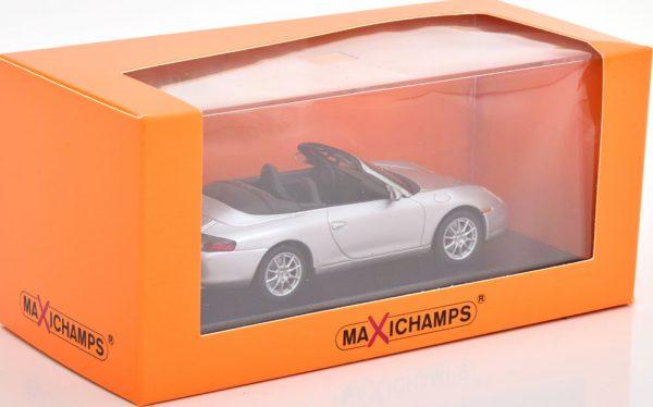 Porsche 911 Cabriolet ( Type 996 ) 2001 Zilver 1-43 Maxichamps