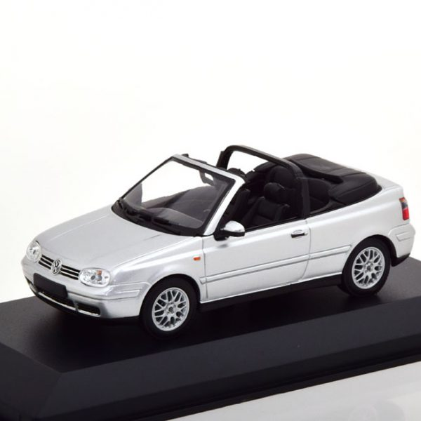 Volkswagen Golf IV Cabriolet 1998 Zilver 1-43 Maxichamps