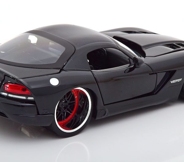 """Dodge Viper SRT-10 """"Fast and The Furious""""Letty's Car Zwart 1-24 Jada Toys"""