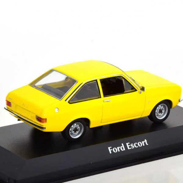 Ford Escort 1975 Geel 1-43 Maxichamps