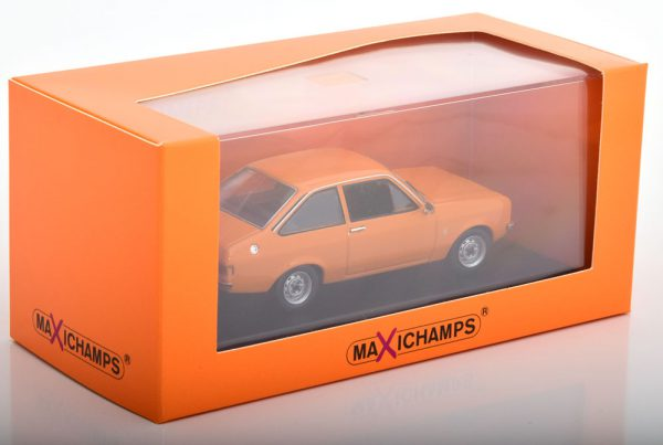 Ford Escort 1975 Oranje 1-43 Maxichamps