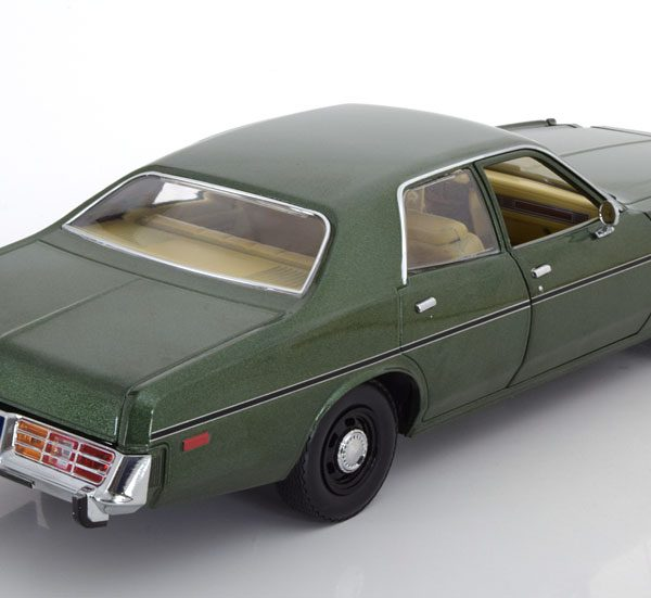 Dodge Monaco Hunter 1977 Groen 1-18 Greenlight Collectibles