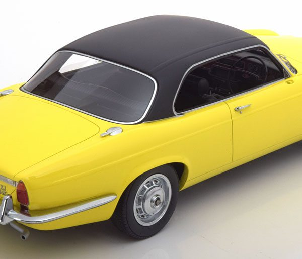 Jaguar XJ 4.2 Coupe 1974 Geel / Zwart 1-18 BOS Models Limited 1000 Pieces