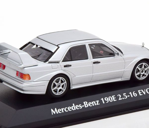 Mercedes-Benz 190E 2.5-16 Evo 2 1990 Zilver 1-43 Maxichamps