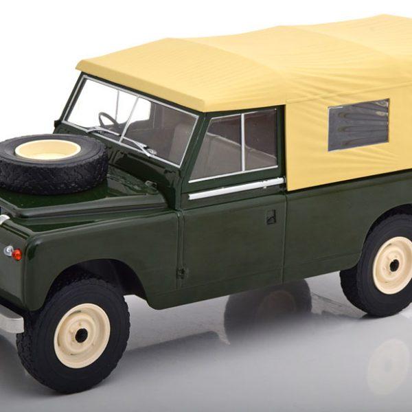 Land Rover 109 Series 2 1959 met Softtop RHD Groen 1-18 MCG Models