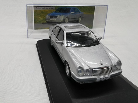 Mercedes-Benz E320 ( W210 ) 1995 Zilver 1-43 Altaya Mercedes Collection