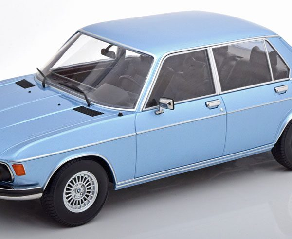 BMW 3.0 S E3 2.Serie 1971 Blauw Metallic 1-18 KK Scale Limited 1250 Pieces
