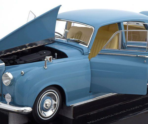 Rolls Royce Silver Cloud II 1960 Blauw Metallic 1-18 Minichamps