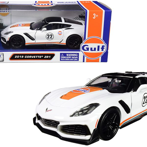 "Chevrolet Corvette ZR1 2019 #22 ""Gulf Oil"" White with Orange Stripes and Black Top 1/24 Diecast Model Car by Motormax"