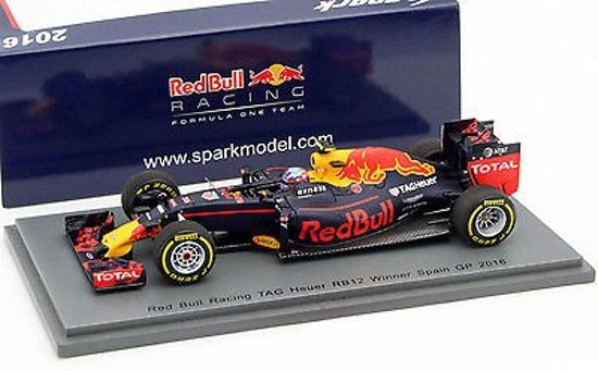 Red Bull Racing Tag Heuer RB12 Nr# 33 Max Verstappen Winner GP Spanje 2016 Spark 1-43