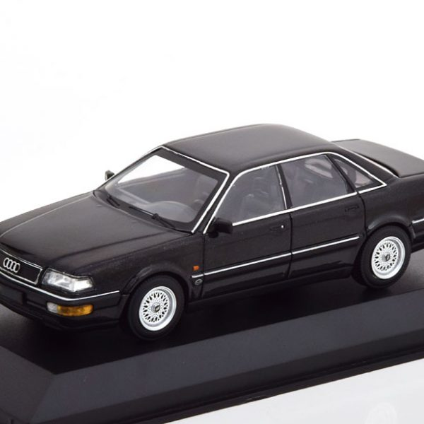 Audi V8 1988 Zwart Metallic 1-43 Maxichamps