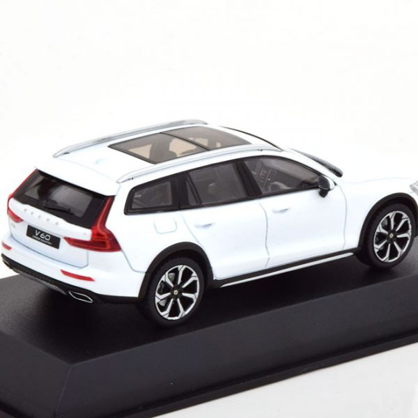 Volvo V60 Cross Country 2019 Wit 1-43 Norev