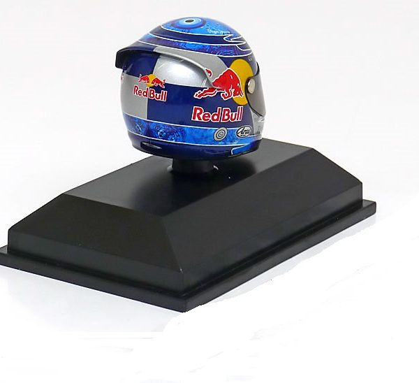 Red Bull Racing Arai Helm GP Istanbul, 2011 World Champion S.Vettel 1-8 Minichamps