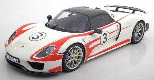 Porsche 918 Spyder Weissach Package Nr# 3 Wit / Rood 1-12 GT Spirit Limited 500 Pieces