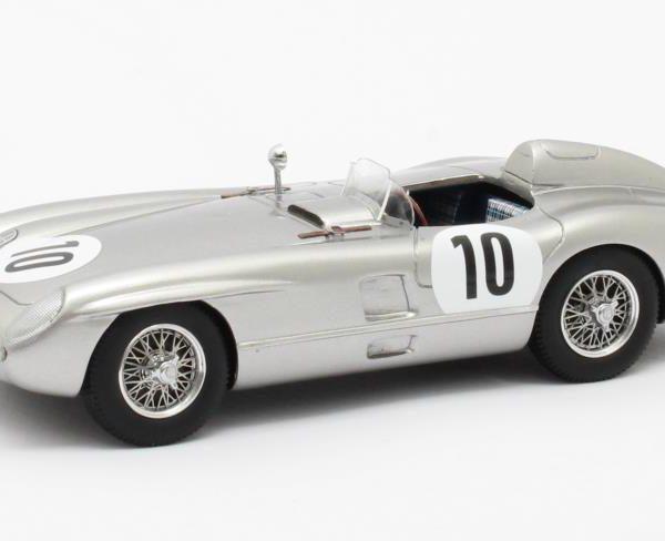 Mercedes-Benz 300SLR #10 Winner RAC Tourist Trophy Dundrod 1955 Drivers: Stirling Moss/John Fitch 1-43 Zilver Matrix Scale Models Limited 408 pcs.