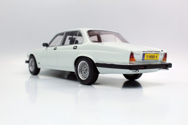Jaguar XJ6 1982 Wit 1-18 LS Collectibles Limited 250 Pieces