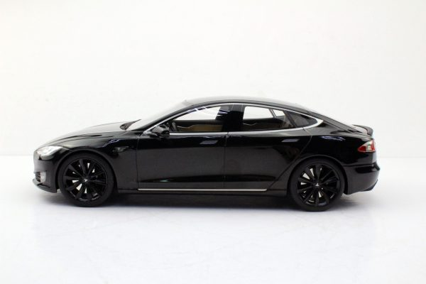 Tesla Model S Zwart met zwarte velgen 1-18 LS Collectibles Limited 250 Pieces
