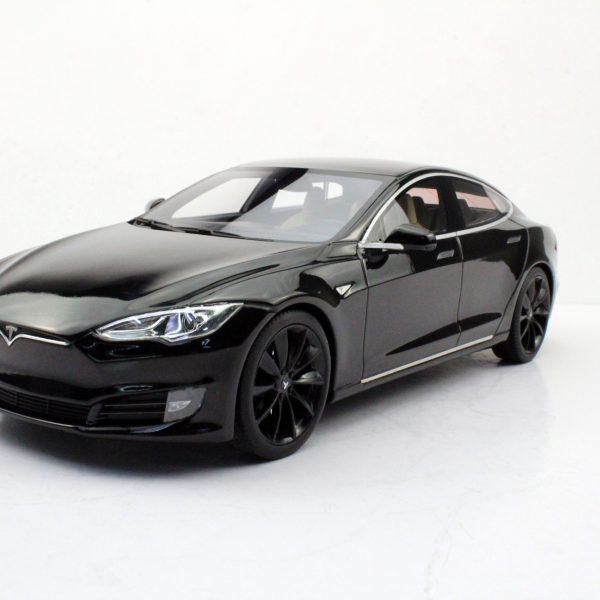 Tesla Model S Zwart met zwarte velgen 1-18 LS Collectibles Limited 250 Pieces