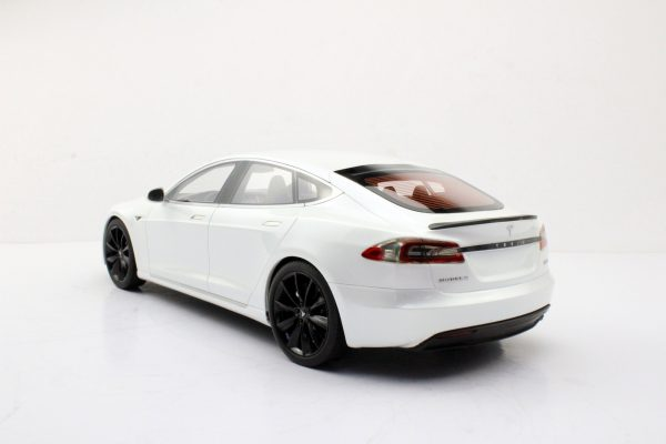Tesla Model S 2015 Wit met Zwarte Velgen 1-18 LS Collectibles Limited 250 Pieces
