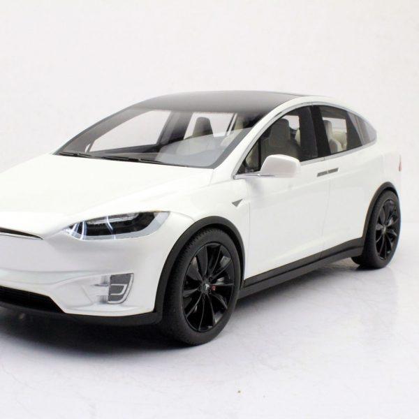 Tesla Model X Wit met Zwarte Velgen 1-18 LS Collectibles Limited 250 Pieces