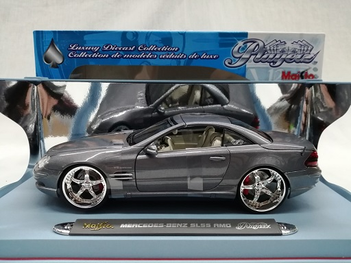 """Mercedes-Benz SL 55 AMG """"Playerz""""Grijs Metallic 1-18 Maisto"""