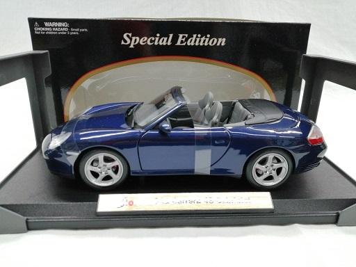 Porsche 911 Carrera 4S Cabriolet 2003( Type 996 ) Blauw 1-18 Maisto