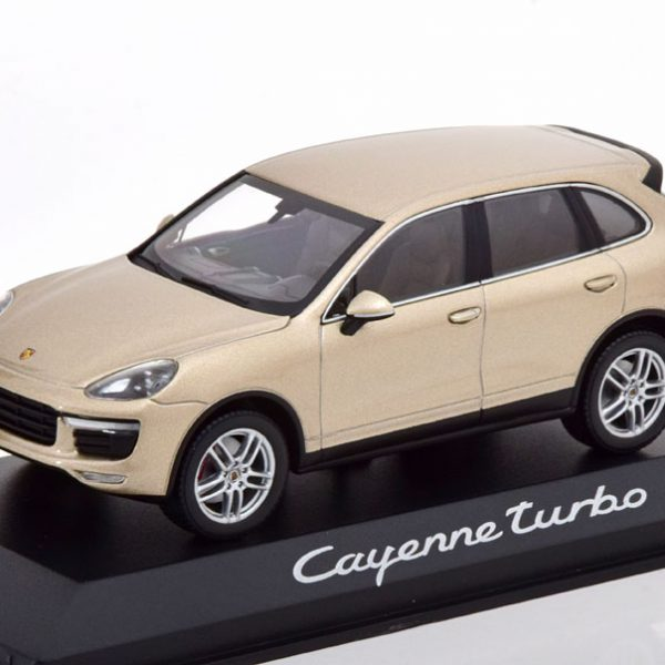 Porsche Cayenne Turbo Face Lift 2014 Pearl-Zilver 1-43 Minichamps
