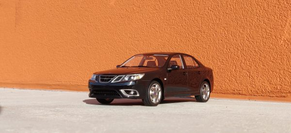 Saab 9-3 Turbo X Sedan 2007 Zwart 1-18 DNA Collectibles Limited 320 Pieces