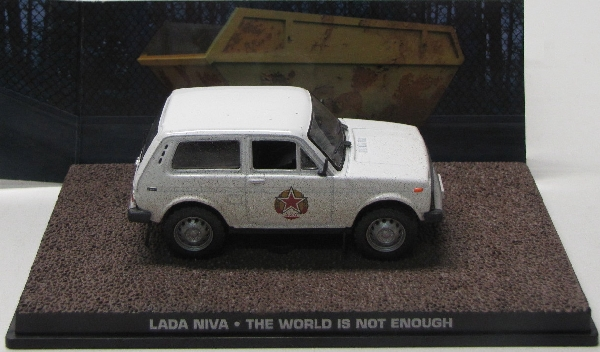 "Lada Niva Wit ""The World is Not Enough""1-43 Altaya James Bond 007 Collection"