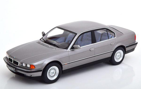BMW 740i E38 ( 1.Serie) 1994 Grijs Metallic 1-18 KK Scale Limited 1000 Pieces