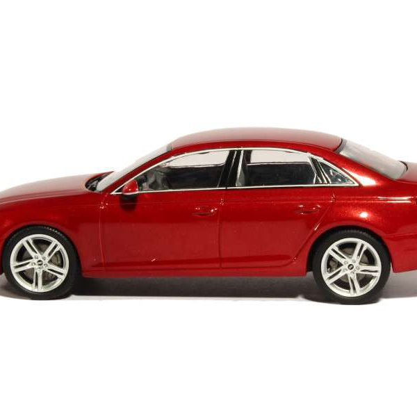 Audi A4 Limousine 2015 Matador Rood 1-43 Spark