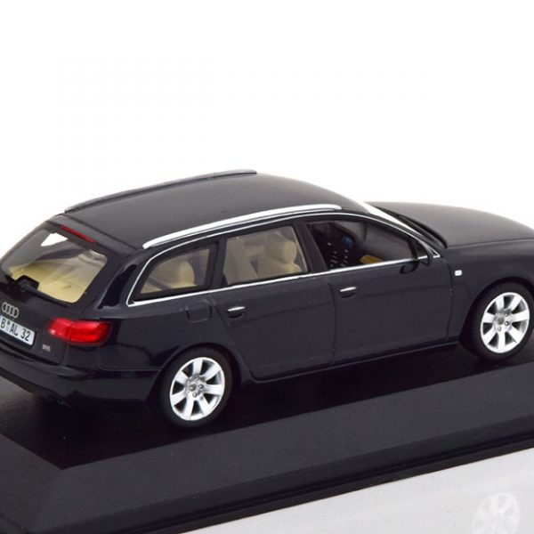 Audi A6 Avant 2004 Grijs 1-43 Minichamps