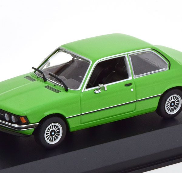 BMW 323i ( E21 ) 1975 Groen 1-43 Maxichamps