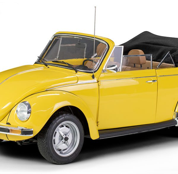 Volkswagen Kever 1303 Cabriolet Geel 1-8 Le Grand Limited 500 Pieces ( Metaal )